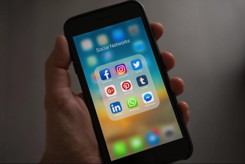 As redes sociais mais relevantes para os brasileiros